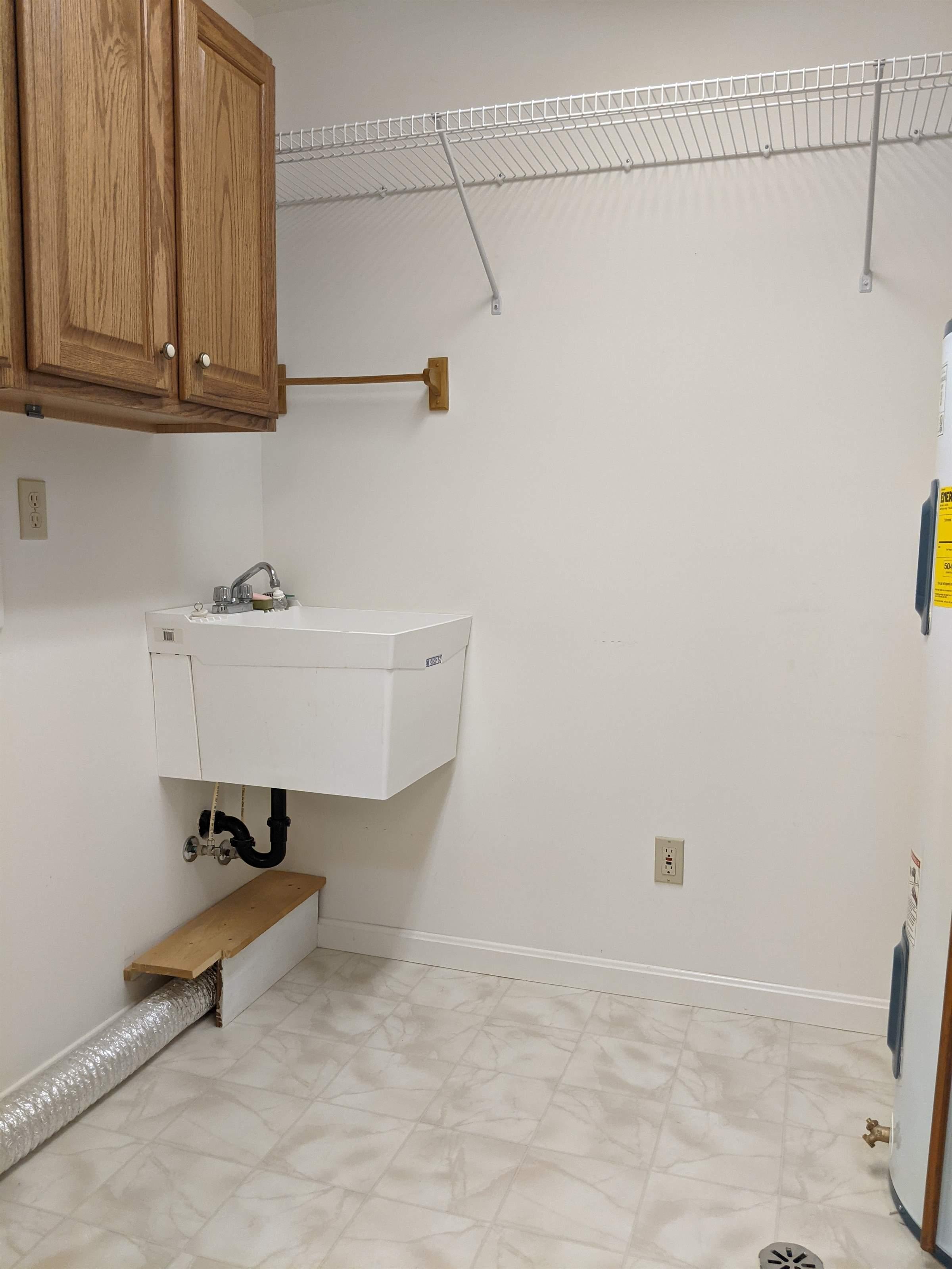 831 Oakbrook Dr., Ashland, OH 44805