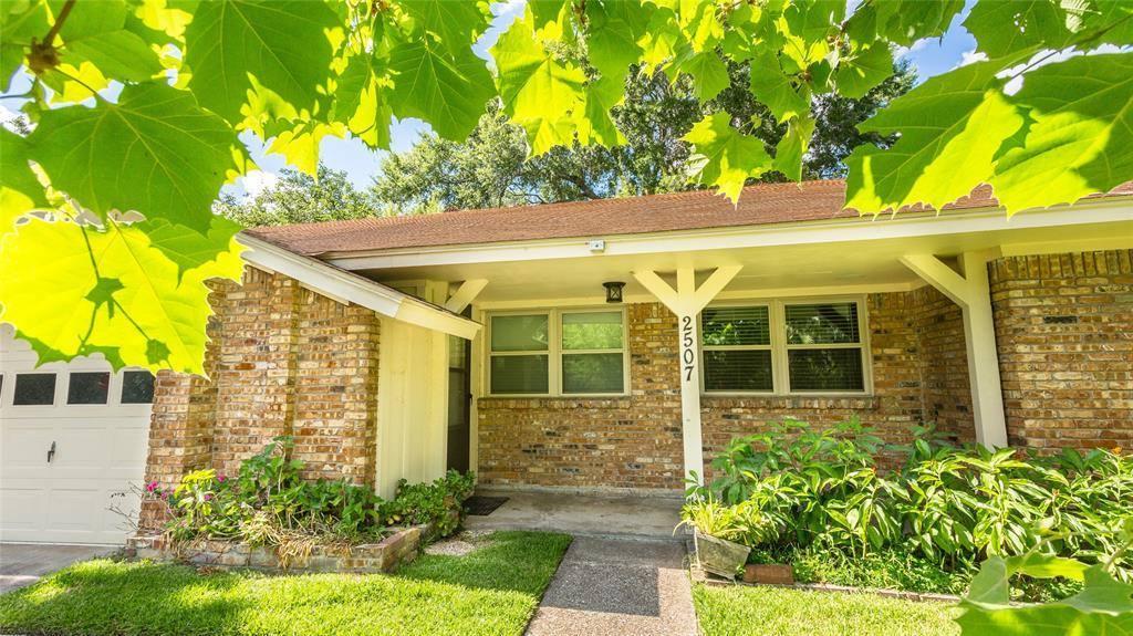 2507 Willowby Drive, Houston, TX 77008