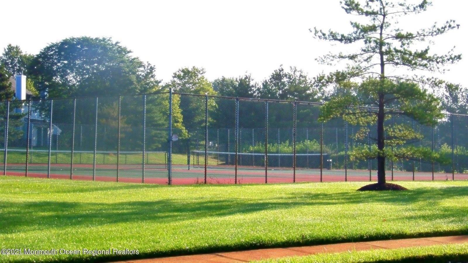 2 Twain Court, Freehold, NJ 07728