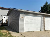 1120 E Ridge Ct, Williston, ND 58801