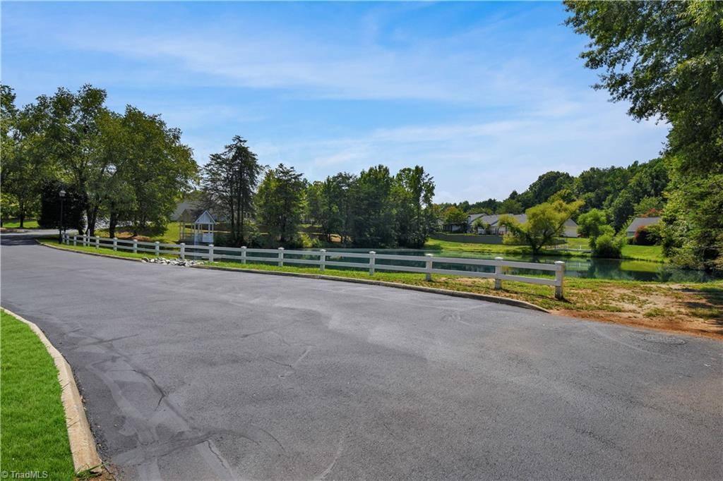 810 Carriage Crossing Lane, #C, Greensboro, NC 27410