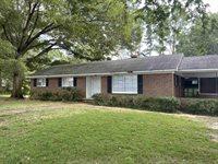 420 East Mill St, Henderson, TN 38340