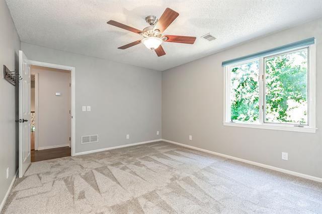 5008 West 112th Terrace, Leawood, KS 66211