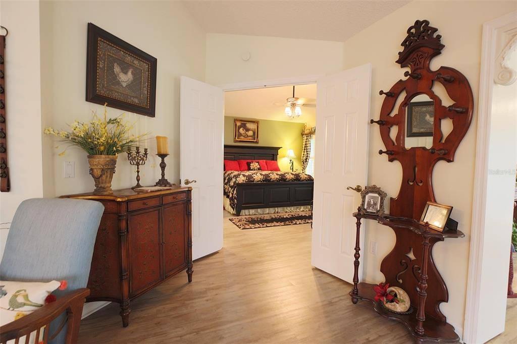 1325 Santa Maria Avenue, Lady Lake, FL 32159