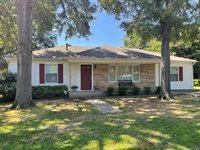 3013 Meadows Dr, Texarkana, TX 75501