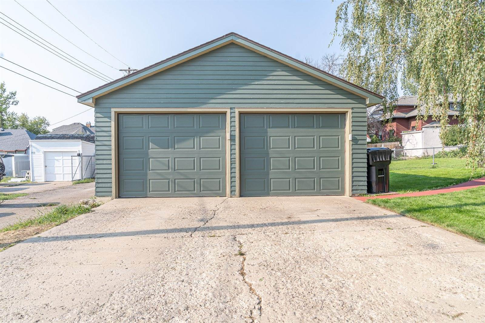 803 1st Ave East, Williston, ND 58801