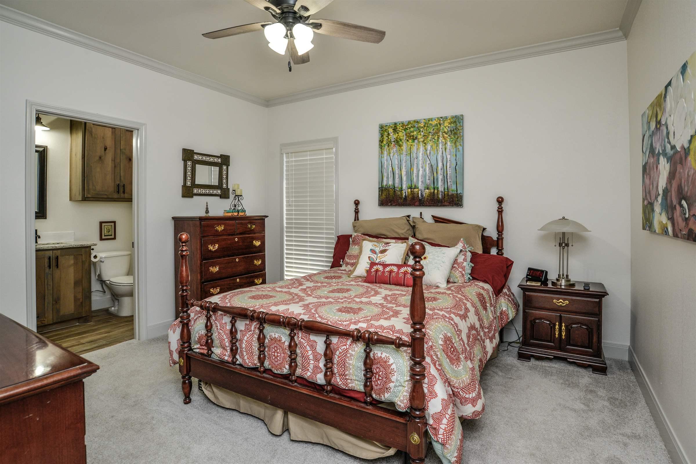 6954 102nd St, Lubbock, TX 79424