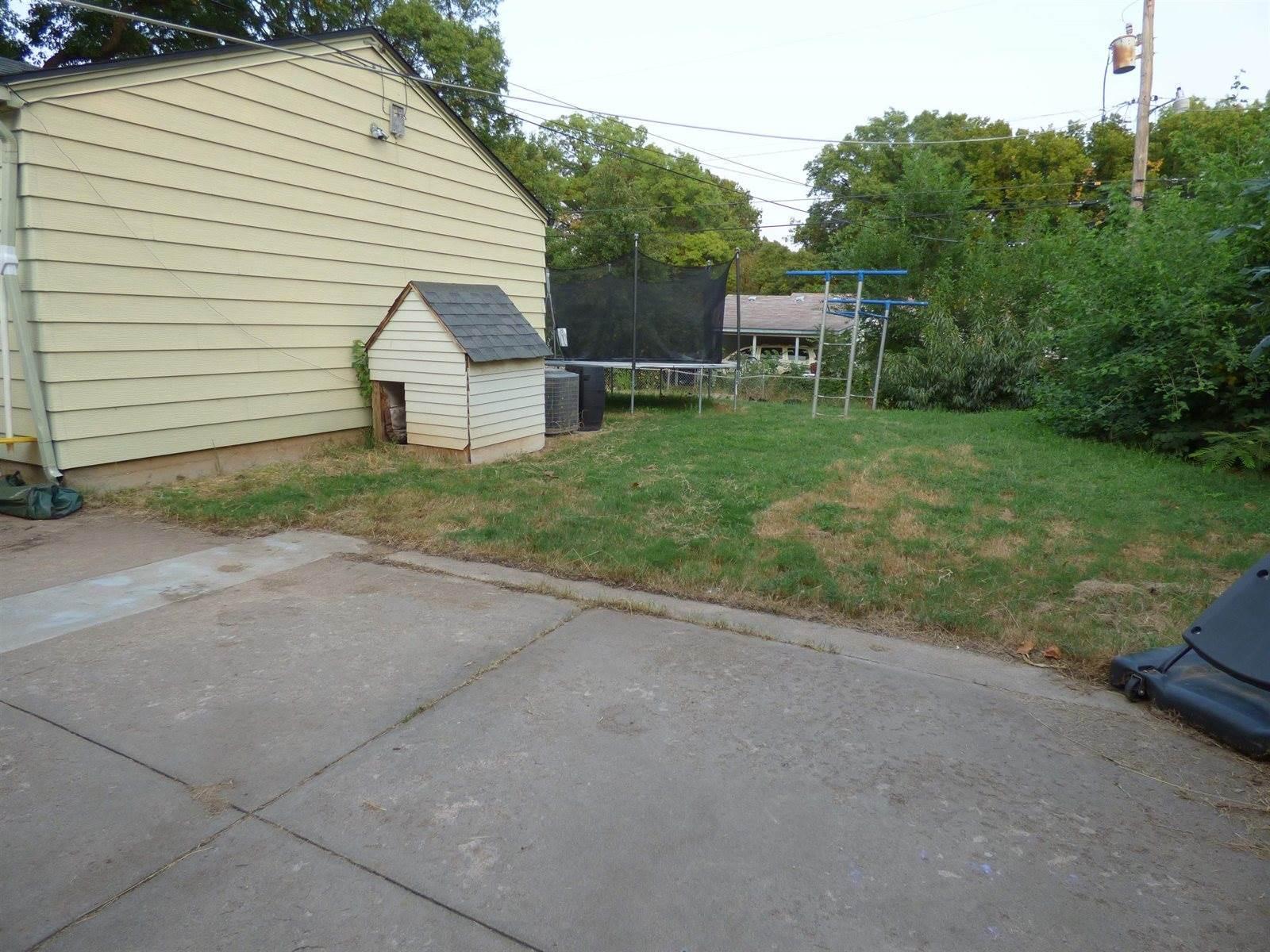 2130 Elpyco, Wichita, KS 67218