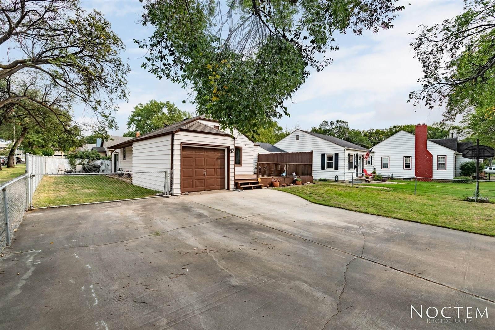 902 F Avenue East, Bismarck, ND 58501