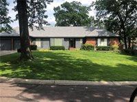 10231 West Oakridge Circle, Overland Park, KS 66212
