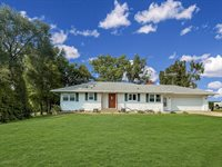 5340 West Pearl City Road, Freeport, IL 61032