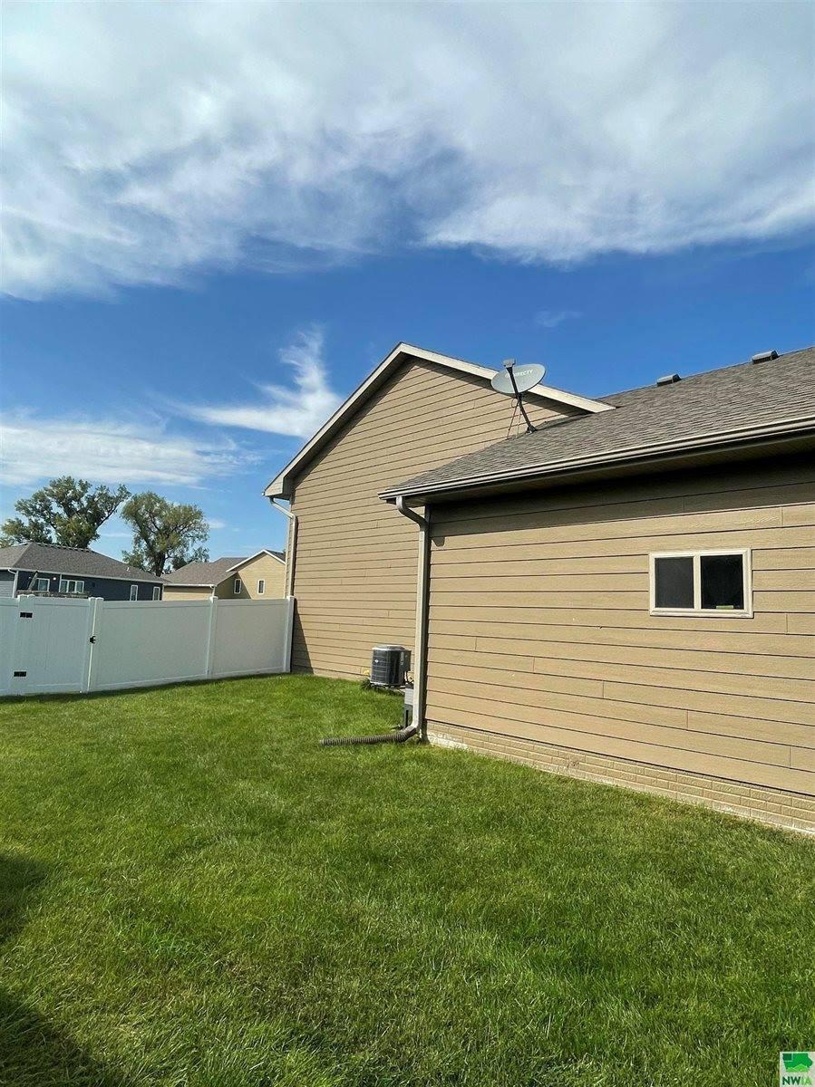 193 N Churchill Circle, No. Sioux City, SD 57490