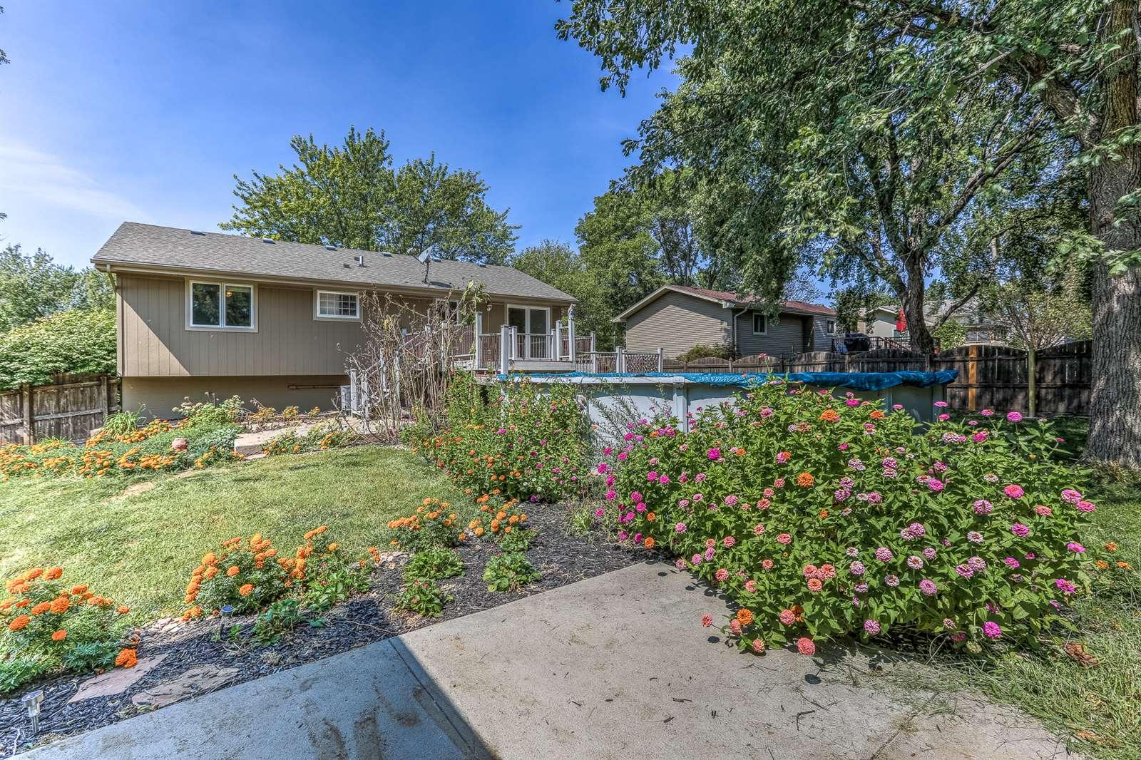 7205 S 75 Avenue, La Vista, NE 68128