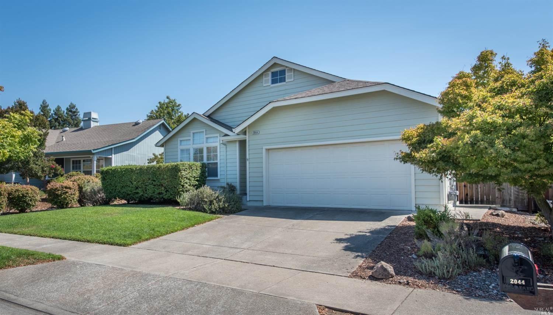 2044 Goldfield Lane, Santa Rosa, CA 95403