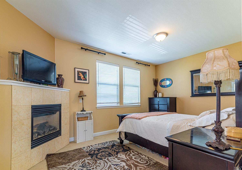 2537 North Village Drive, Santa Rosa, CA 95403