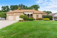 40 White Oak Court, Canfield, OH 44406