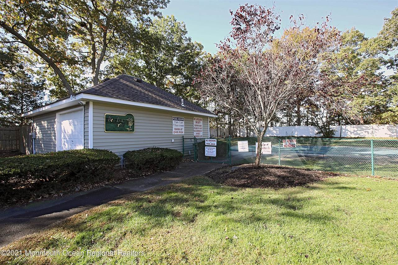 646 Ridgeview Court, #24D, Toms River, NJ 08753