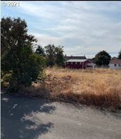 500 West Main St, Molalla, OR 97038