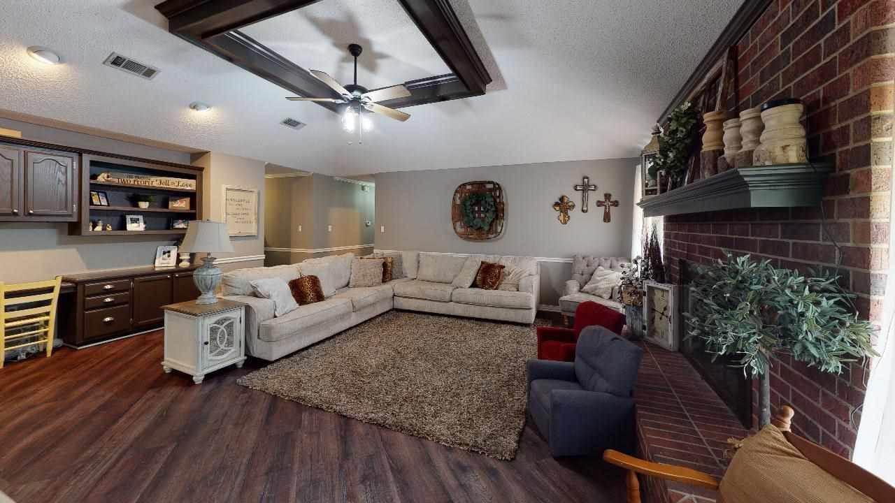 1813 S Boggie St, Atlanta, TX 75551