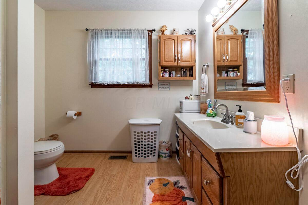 9423 Alkire Road, Grove City, OH 43123