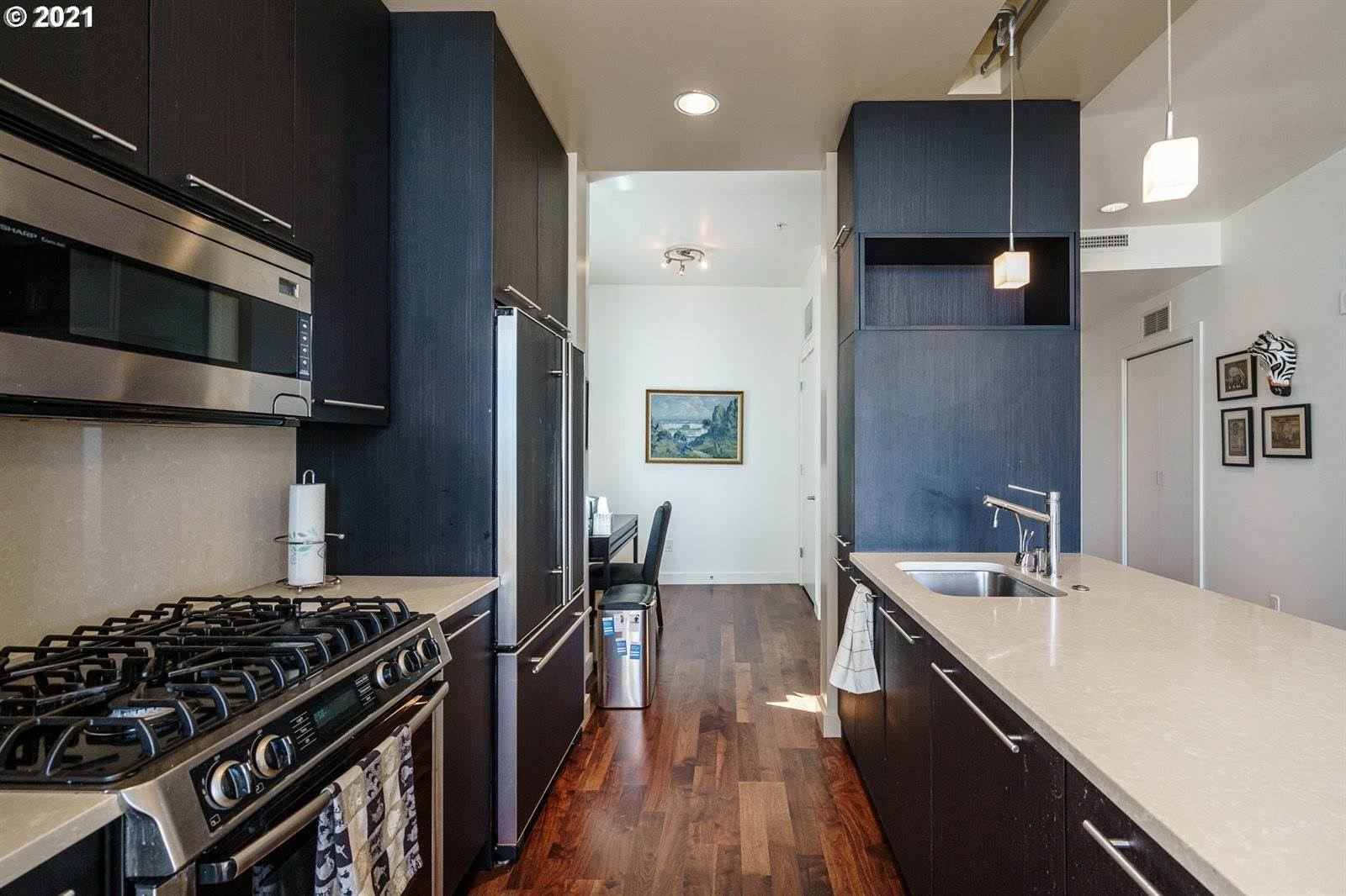 949 NW Overton St, #1001, Portland, OR 97209