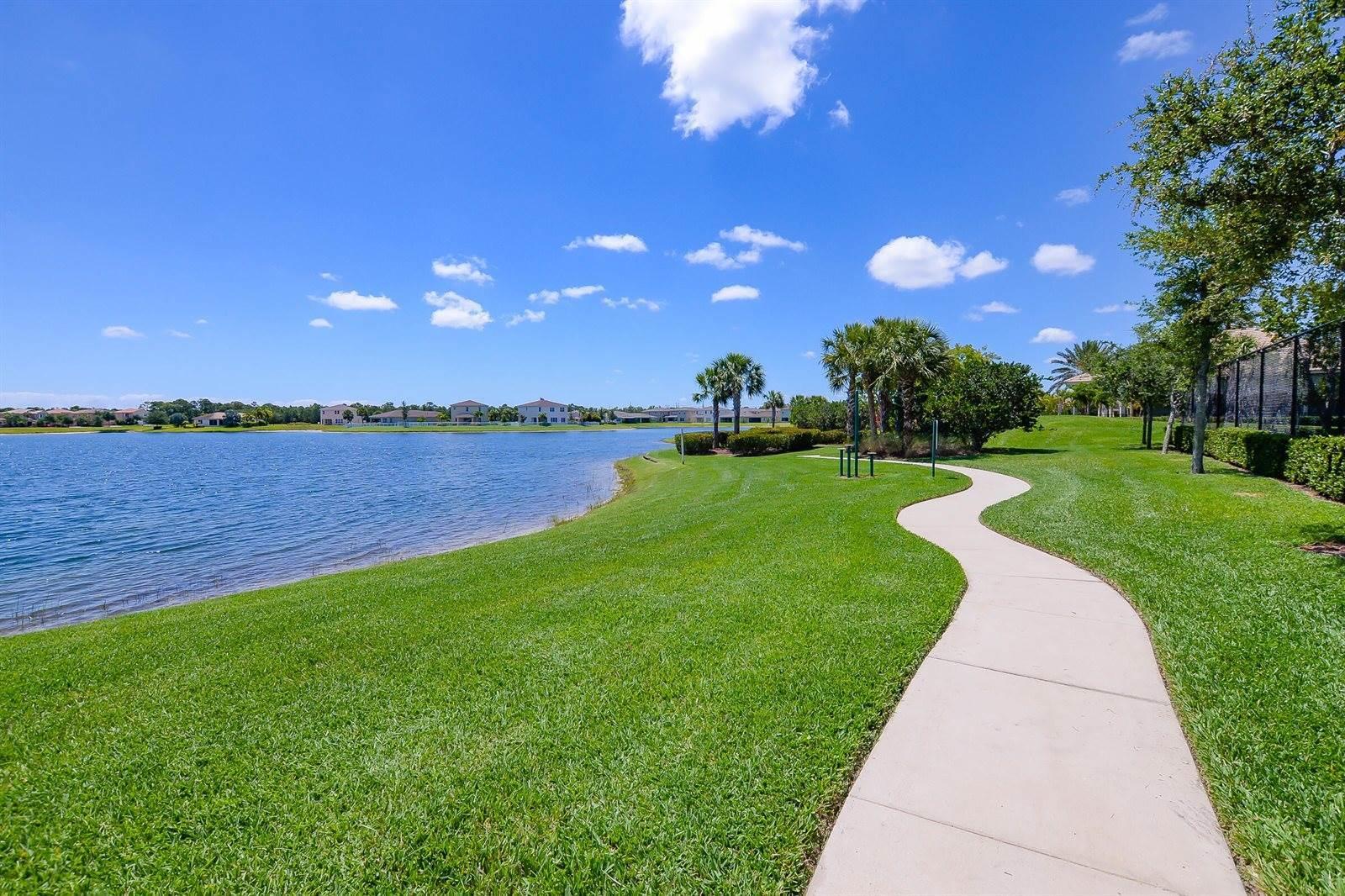 1333 NW Leonardo Circle, Port Saint Lucie, FL 34986