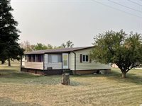 217 Flynn Ave, Bainville, MT 59212