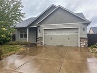 1048 Kaylee Ave, Junction City, OR 97448