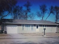 906 2nd Ave SW, Minot, ND 58701