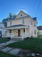 1002 Oak Avenue, Freeport, IL 61032