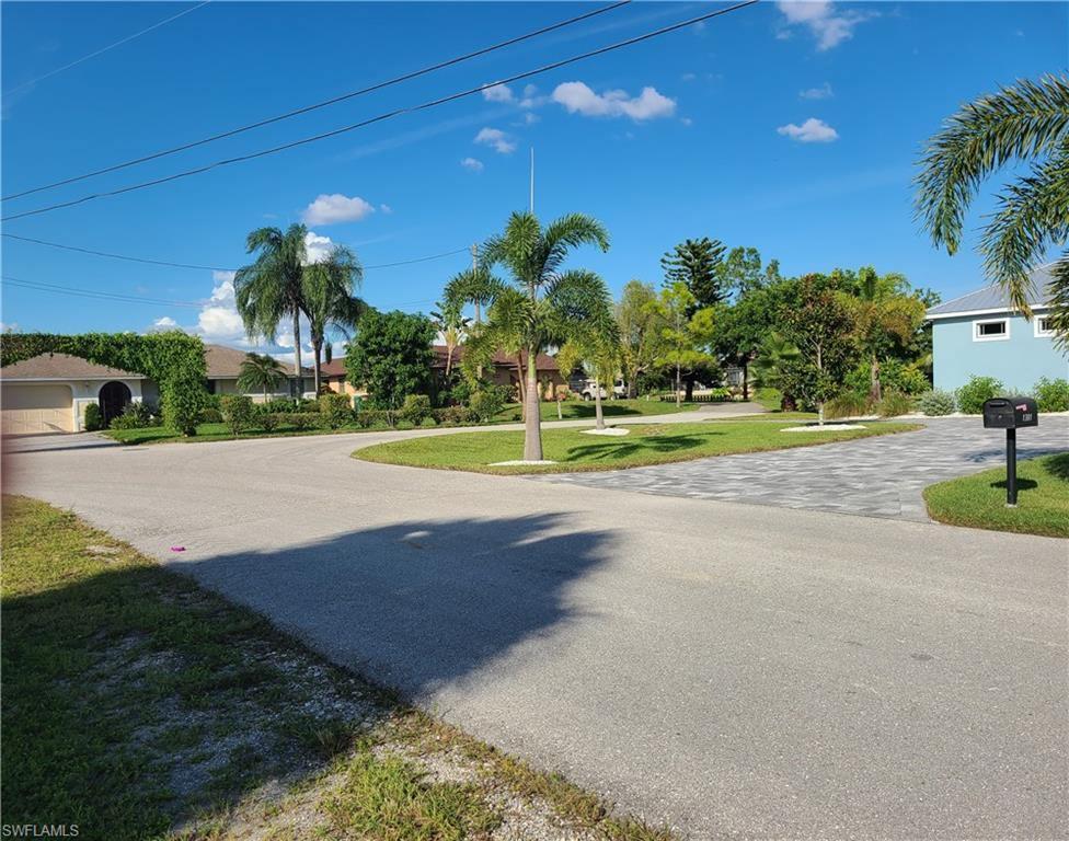 1302 SW 5th Avenue, Cape Coral, FL 33991