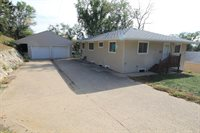 1124 9th St NW, Minot, ND 58703