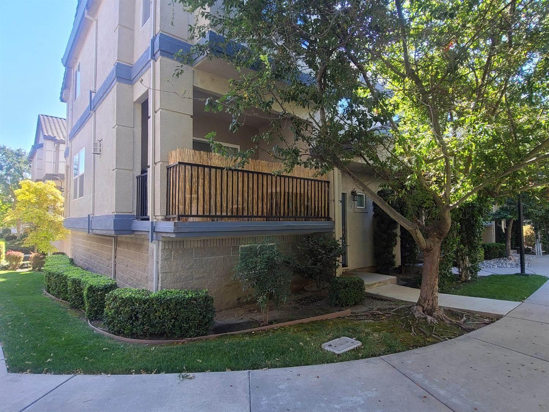 7 Park River Oak Court, Sacramento, CA 95831