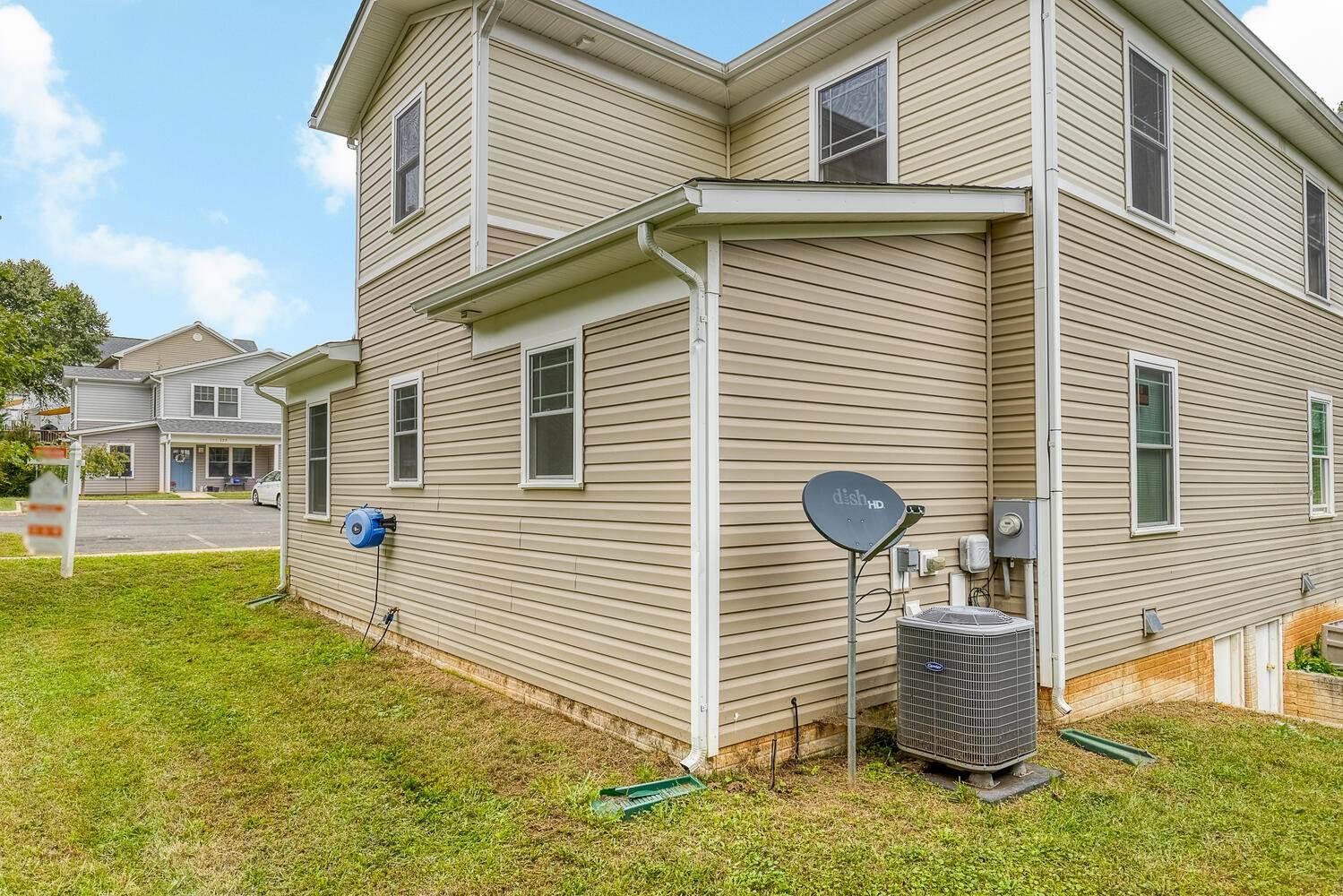 122 Flikeid Ln, Warrenton, VA 20186