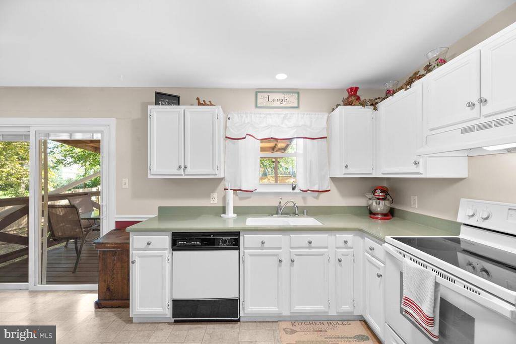 7709 Pear Avenue, Jessup, MD 20794