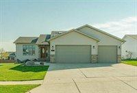 4923 Fountainblue Drive, Bismarck, ND 58503