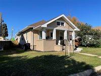 513 2nd Ave West, Williston, ND 58801