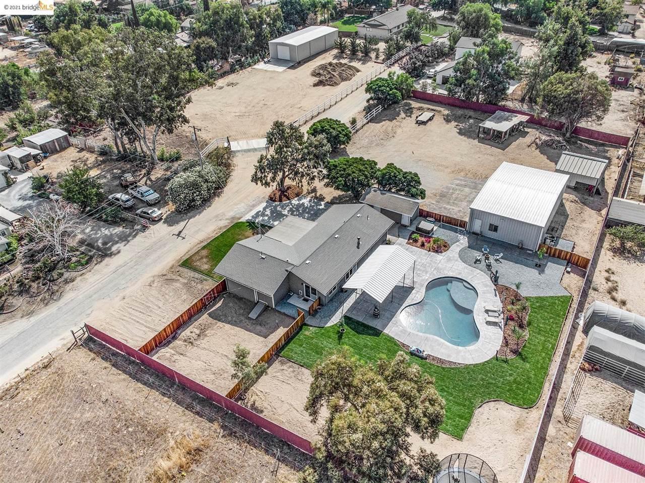 3890 Holmes Rd, Oakley, CA 94561