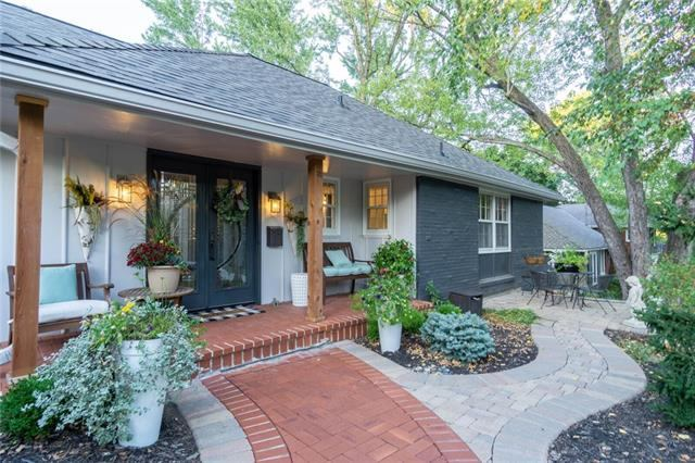2216 West 103rd Terrace, Leawood, KS 66206