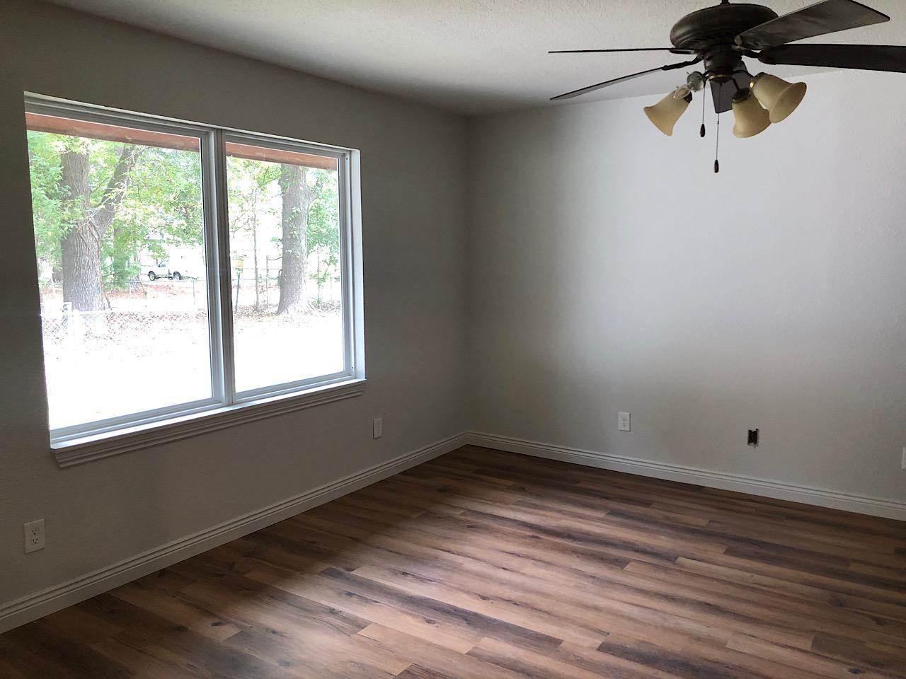 128 Oak St, Redwater, TX 75573