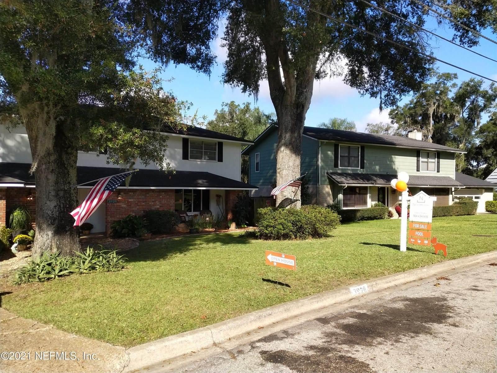 3928 Tara Hall Dr, Jacksonville, FL 32277