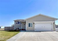 1998 3rd Avenue East, Dickinson, ND 58601