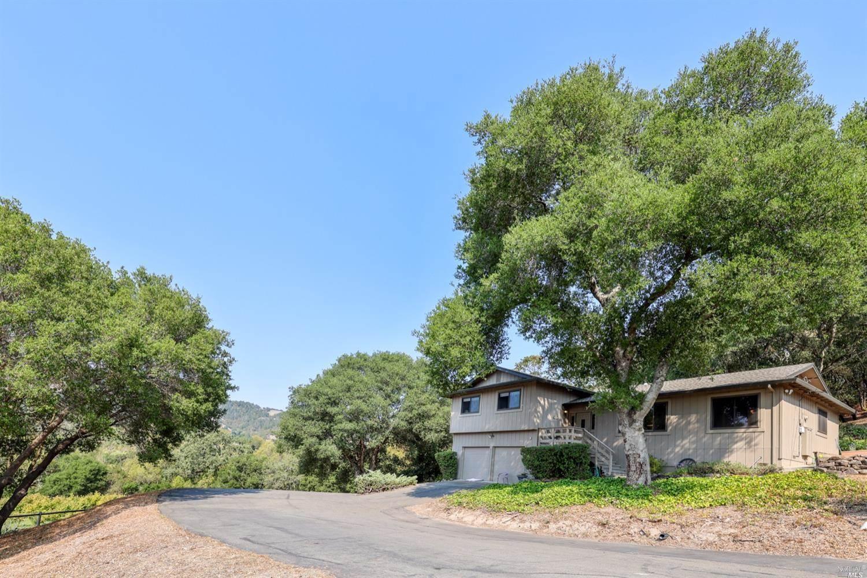 6650 Warehill Road, Santa Rosa, CA 95404