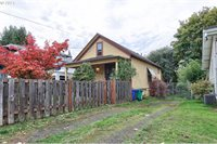 3816 SE Gladstone St, Portland, OR 97202