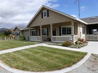541 Spring Grove Rd, Hollister, CA 95023